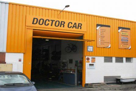 Negocios y servicios de automoci n en tres - Fachadas de talleres ...